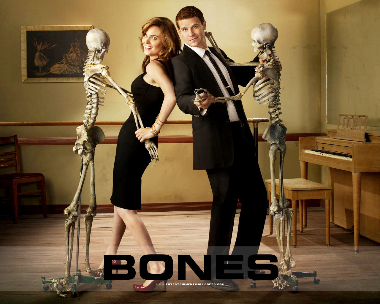 http://primetimeaddiction.files.wordpress.com/2012/11/tv_bones12-1.jpeg Crossbones Tv Show