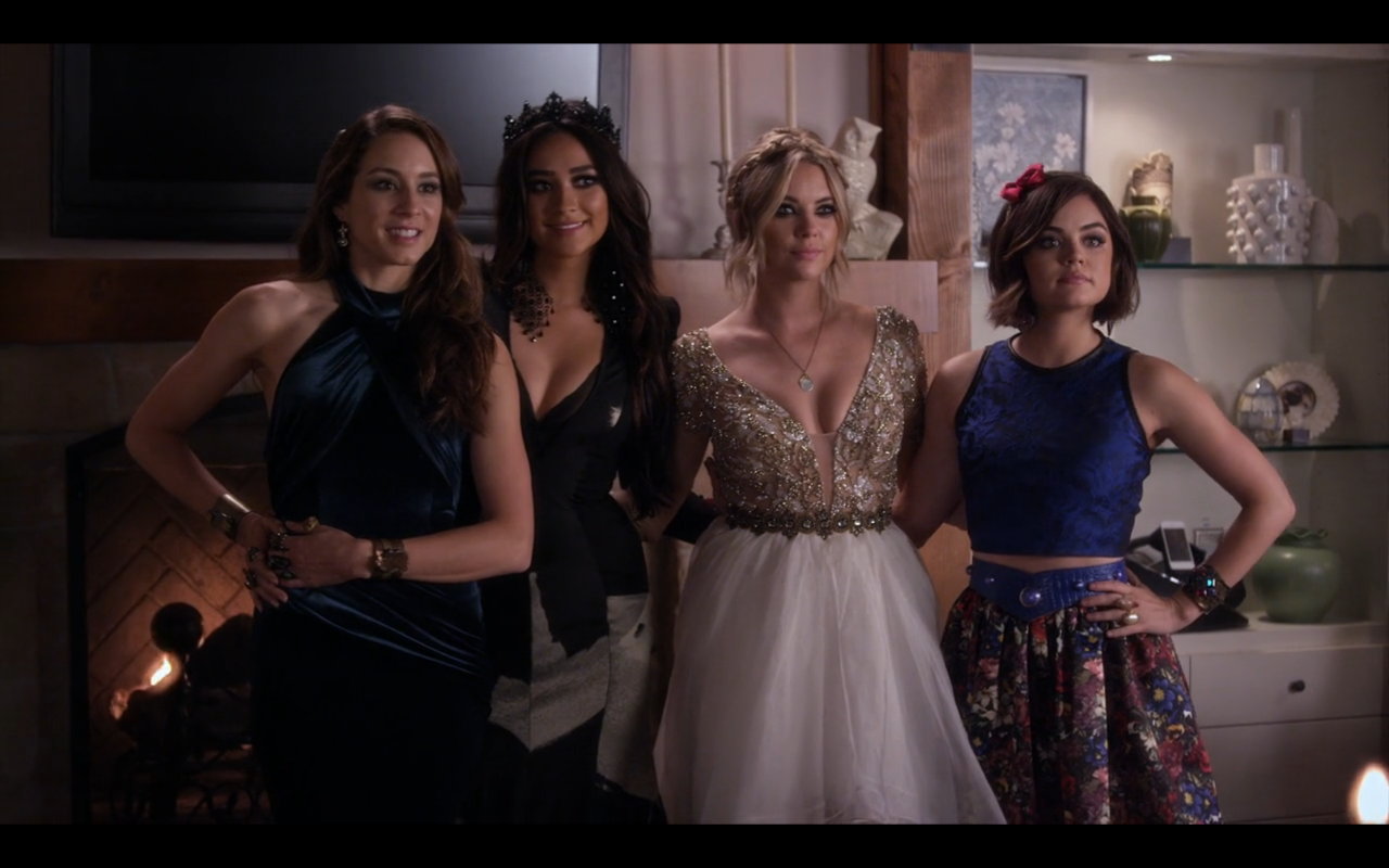 13b4da2acce PLL   All the Fashion from the Enchanted Forest Prom – Primetime ...