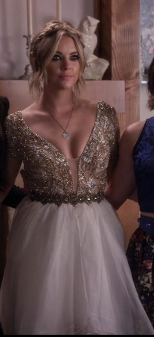 Pll All The Fashion From The Enchanted Forest Prom Primetime